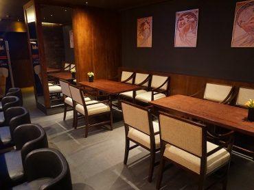 (日本語) テーブル4名様×2席