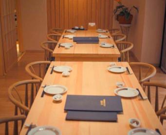 (日本語) 2階テーブル席