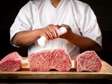 (日本語) 厳選された和牛肉